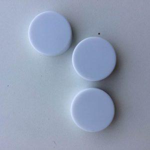 Lille rund hvid rasleboks