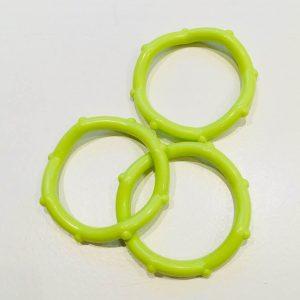 Bidering med knopper i limegrøn / 1 stk
