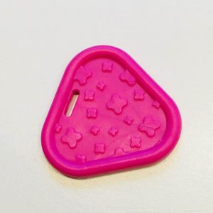 Trekant bidering med knopper i pink / 1 stk