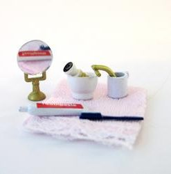 Toiletsæt / Miniature / Dukkehus