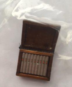Cigar i trækasse 1:12 / Dukkehus