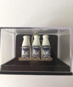 Reutter porcelæn / Mælkeflasker / Dukkehus