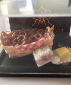 Porcelæn, kage, Reutter / Dukkehus 1:12
