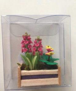 Blomster i aflang kasse / Dukkehus