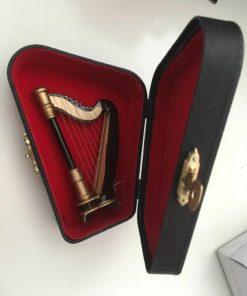 Harpe H:10 cm i kasse / Dukkehus