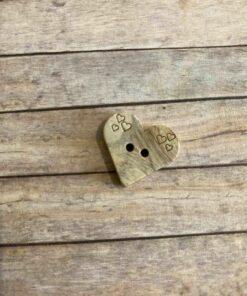 Knap 2 hul, 20 mm / Træ hjerte