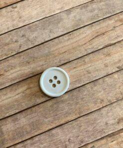 Knap plast 4 huller, 3 cm / hvid